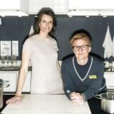Det er lykkedes IKEA Danmark med ligestilling både i forhold til kønsfordeling og løn. HR-chef Theresia og medarebejderen Stine fotograferet i IKEA, Taastrup.