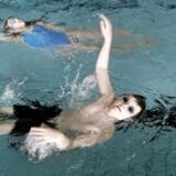 Debatten raser stadig om den kønsopdelte svømmetræning. Arkivfoto af svømmeundervisning i Farum Svømmehal.