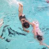 Hovedstadens Svømmeklub, HSK, har stor succes med at få teenagepiger til at gå til svømning, efter de har udbudt kønsopdelte hold.
