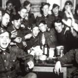 Magnus Møller var fra 1941-43 en del af Frikorps Danmark. Her er et foto, Møller tog af kammeraterne i frikorpset.