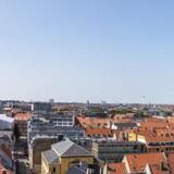 Man skal kikke rigtigt langt efter penge til nye virksomheder i Danmark - og eksporten er også et problem. Arkivfoto: Iris/Scanpix