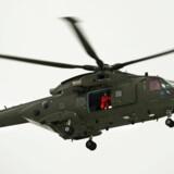 En redningshelikopter fandt tirsdag en fisker død i Øresund. Han er faldet i vandet, da han var ude at røgte sine ruser. Arkivfoto. Free/Flyvevåbnets Pressetjeneste