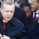 præsident Recep Tayyip Erdogan sammen med den nu afgående premierminister Ahmet Davutoglu.