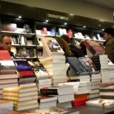 Juletravlhed hos boghandleren.