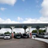 Mange benzinstationer i landet er løbet tør for brændstof.