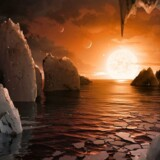 En kunsters opfattelse af en mulig ovefalde på en af planeterne rundt om Trappist-1. Selv om forskere tror på, at livstegn i rummet kan konstateres inden for 10 år, går der nok mindst 100 inden, det bliver ledsaget af rigtige billeder.
