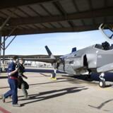 En F-35-pilot er på vej hen i sit jagerfly på en amerikansk base i staten Utah.