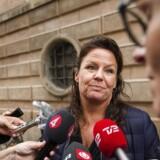 Advokat Betina Hald Engmark er forsvarer for u-bådskaptajn Peter Madsen, som er sigtet for uagtsomt manddrab på en svensk kvindelig journalist.12. august 2017.Se RB KRIMINAL 09.16. Den drabssigtede ubådsejer og opfinder Peter Madsen har besluttet at acceptere sin varetægtsfængsling. Det oplyser hans forsvarer, Betina Hald Engmark, til TV2. Peter Madsen blev lørdag i Københavns Byret fængslet i 24 dage for uagtsomt manddrab. Politiet mener, at han har forvoldt den 30-årige svenske journalist Kim Walls død. . (Foto: Jens Astrup/Scanpix 2017)