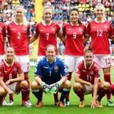 Kvindelandsholdet i fodbold måtte som følge af en manglende landsholdsaftale aflyse den udsolgte testkamp mod Holland i Horsens samt VM-kvalifikationskampen på udebane mod Sverige.