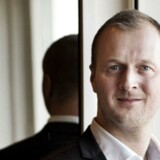 Legoarvingen Thomas Kirk Kristiansen, hans private investeringsselskab Great Northern A/S og Kirkbi Invest er under anklage for at have brugt fortrolige oplysninger til at kopiere et konkurrerende bud på et kæmpe højhus-projekt.