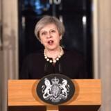 Storbritanniens premierminister, Theresa May, kondolerer, efter at en endnu ukendt gerningsmand onsdag dræbte tre mennesker i London.