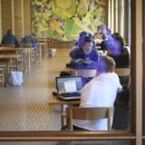 ARKIVFOTO 2015 Studerende, Aarhus Universitet. Man må læse en ny uddannelse seks år efter den første, har forligspartier aftalt, skriver TV2 News. (Foto: Kim Haugaard/Scanpix 2017)