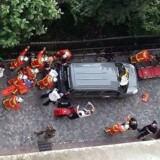 Franske soldater er blevet ramt af et køretøj, en BMW, i den parisiske forstad Levallois-Perret. REUTERS/Benoit Tessier. / AFP PHOTO / Thierry CHAPP