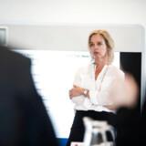 Pernille Erenbjerg var indtil for nylig den eneste øverste kvindelige direktør i et C25-selskab som koncernchef for TDC. Nu er TDC solgt, taget af Børsen og Pernille Erenbjerg er trådt tilbage, og dermed er der ikke en eneste kvinde som koncernchef for et C25-selskab. Ifølge Dansk Industri skal flere kvinder tage beskæftigelse i det private erhvervsliv, hvis andelen af kvinder i topledelse skal stige. Foto: Sarah Christine Nørgaard/Ritzau Scanpix