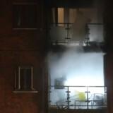 En kraftig ildebrand brød ud på en altan i Thorsgade på Nørrebro. Videofotografi: Byrd/Steven Knap