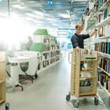 Når bibliotekerne mister personalet, bliver de til bogsamlinger. Og når besparelser begrænser børns adgang, bliver vi et fattigere samfund.