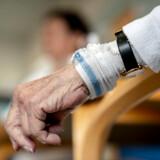 Der bliver flere ældre, hvilket presser sundhedsvæsenet. Det er man fra politisk side nødt til at forholde sig til, påpeger Kommunernes Landsforening. Arkivfoto: Søren Bidstrup