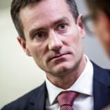 Erhvervsminister Rasmus Jarlov (K) er ikke på bølgelængde med Jyske Bank, når det gælder opsplitning af Visa/Dankort.