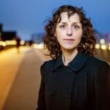 Kirstine Sinclair er lektor ved Center for Mellemøststudier på Syddansk Universitet i Odense, hvor hun bl.a. har forsket i Hizb ut-Tahrir og i 2010 skrev ph.d. om emnet med titlen: »The Caliphate as Homeland: Hizb ut-Tahrir in Denmark and Britain«.