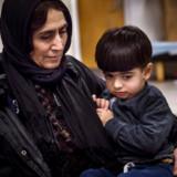 Hiwa Aziz er to et halvt år gammel. Han blev født på Kolding Sygehus i Sydjylland og boede den første tid af sit liv i Jelling, før han for knap et år siden flyttede til Sjælsmark. Hans onkel fortæller på dansk, at drengen sover dårligt og spiser meget lidt, siden han flyttede ind på udrejsecenteret.
