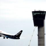 I dag overvåges flytrafikken kun fra jordbaserede systemer med begrænset rækkevidde. Jens Nørgaard Larsen/Ritzau Scanpix