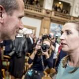 (ARKIV)Kristian Jensen (V) og Mette Frederiksen (S) før folketingets åbning på Christiansborg i København, tirsdag den 2. oktober 2018. I dag strides de to om salget af elselskabet Radius. (Foto: Mads Claus Rasmussen/Ritzau Scanpix)