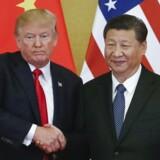 Donald Trump, USAs præsident, og Xi Jinping, Kinas præsident, kæmper for at nå til enighed om nye handelsaftaler. I virkeligheden handler det om en rivalisering mellem de to lande, som får alle geopolitiske udfordringer til at blegne. Arkivfoto: Roman Pilipey/EPA/Ritzau Scanpix