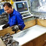 Hos Olsen Metaltrykkeri, som producerer metaldele i alle afskygninger, frygter man for konsekvenserne af et Brexit og har derfor valgt at fokusere salgsbudgettet på andre markeder end det britiske.