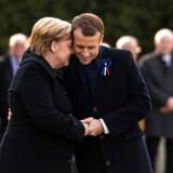 Forholdet mellem Tysklands Angela Merkel og Frankrigs Præsident Emmanuel Macron har ikke altid været så harmonisk, som da Merkel deltog i mindehøjtideligheden for 1. verdenskrigs afslutning i november 2018. Nu er de to regeringschefer imidlertid klar til at binde landene langt tættere sammen i en ny traktat. Den skal sende signalet til USA og resten af Europa om, Tyskland og Frankrig holder sammen i en turbulent tid.