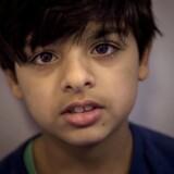 »Da vi boede i Asylcenter Ranum, lavede min mor god mad til mig. Her har vi ikke nogen penge, og vi må ikke lave mad,« siger 11-årige Ahmad.