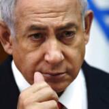 Israels premierminister Benjamin Netanyahu har ændret strategi for åbenheden omkring sine angreb i Syrien. Det er ikke alle, der mener, det er en god idé.