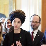 Kulturminister Amanda Lind og statsminister Stefan Löfven ved pressekonferencen for den nye regering.
