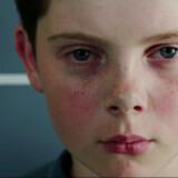 Den Oscar-nominerende kortfilm »Detainment« om de to tiårige drenge, der i 1993 myrdede en toårig dreng i England vækker debat. Familien til den myrdede James Bulger har sat sig imod både filmen og Oscar-nomineringen, men offentlighedens interesse vejer tungt.