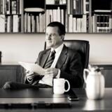 Jakob Scharf var den øverste chef for Politiets Efterretningstjeneste (PET) i perioden 2007-2013. I dag er han direktør for den private sikkerhedsvirksomhed CERTA, som han var med til at stifte i 2014. Retssagen mod ham handler om udtalelser i bogen »Syv år for PET«, hvor han har udtalt sig om sin tid i tjenesten i interview til journalist og forfatter Morten Skjoldager.