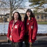 Røde Kors-medarbejdere på Sjælsmark: Omsorgsmedarbejder Helle Hartmann Bargholz (tv.) og sundhedsplejerske Susanne Oddershede.