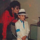Michael Jackson og Wade Robson, der dengang var omkring seks år gammel fotograferet på Jacksons ranch Neverland. Foto: Sundance Institute