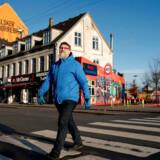 Jan Malinowski fra Nørrebro-borgerinitiativet »Vi ta'r gaden tilbage« fornemmer, at der er faldet ro på bandekonflikterne. Han mener, at det er fordi banderne har røget en fredspibe, men tør ikke stole på, at det holder i længden. Foto: Linda Kastrup