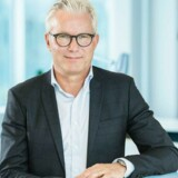 Nu må myndighederne sørge for, at der kommer bedre konkurrence på bredbåndsområdet ved at gøre det muligt for konkurrenterne at købe sig adgang til energiselskabernes fibernet, mener Telenors topchef, Jesper Hansen. Arkivfoto. Telenor