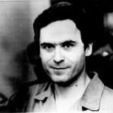Ted Bundy opnåede efter sin anholdelse massiv berømmelse i USA, da han under sin retssag gjorde sig bemærket som både intelligent, veltalende og charmerende.