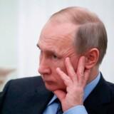Putin oplyser, at Rusland nu vil starte på at udvikle nye raketter, heriblandt såkaldt supersoniske mellemdistanceraketter. (Photo by MAXIM SHEMETOV / POOL / AFP)