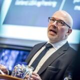 Administrerende direktør i Danske Bank, Jesper Nielsen, forsikrer bankens medarbejdere om, at de ikke skal bekymre sig om deres bonus.
