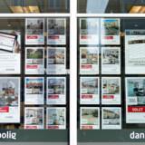 Ejendomsmæglerne har fået et betydeligt større udvalg af københavnske ejerlejligheder i vinduerne det seneste år, viser nye tal fra Boligsiden.dk.
