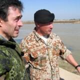 Statsminister Anders Fogh Rasmussen besøger de danske styrker i Irak søndag 1. februar 2004. Udredningen om baggrunden for Danmarks militære engagement i Kosovo, Irak og Afghanistan blev fremlagt tirsdag.