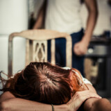Set i lyset af problemets udbredelse er er der god grundt til at kriminalisere psykisk vold i nære relationer, som justitsministeren har foreslået.