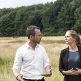 Landbruget har langtfra nået den reduktion af kvælstof, regeringen satte som mål i forbindelse med landbrugspakken, og som skulle opveje for miljøskadevirkningerne af pakken. Det er miljø- og fødevareminister Jakob Ellemann-Jensen skuffet over. (Her fotograferet med præsidenten for Danmarks Naturfredningsforening, Maria Reumert Gjerding).