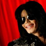 Arkivfoto. Storcenter fjerner Michael Jackson-figur, fordi kunder føler sig stødt.