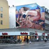 Gavlmaleriet »Cyklende Pige«, der siden 1993 har prydet hjørnet af Nørrebrogade og Ravnsborggade, kan måske reddes fra at gå tabt på trods af renovering.