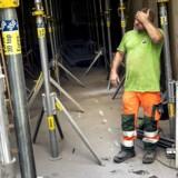 Der er fart på i byggeriet, og håndværkerne arbejder flere timer. Inden for byggeriet og industrien er den ugentlige arbejdstid i gennemsnit i dag højere, end den var i 2008.