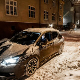 Norge har fået verden til spærre øjnene op med et stort boom i salget af elbiler, og de norske politikere vil gerne dele ud af deres erfaringer, hvis danske politikere er interesserede.