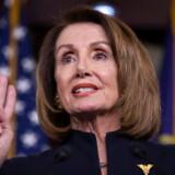 Nancy Pelosi, Formand for Repræsentanternes Hus, tager stærk afstand fra Donalds Trumps erklæring om national undtagelsestilstand.